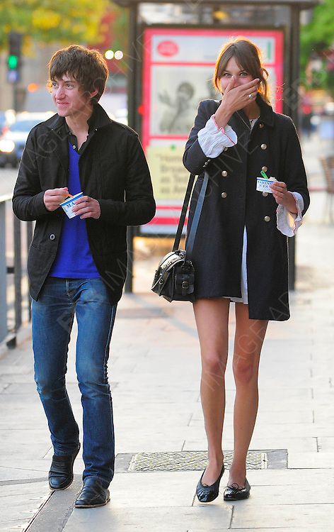 Alex Turner Girlfriend Alexa Chung Walking Through Primrose Hill Before Heading To Camden To Get Some Ice Cream They Then Walked Hand In Hand To Go To Jongalours Comedy Club Camden