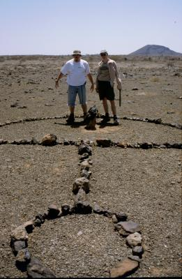 Marsianer in Marsabit: Christoph und Cedric 03.2001
