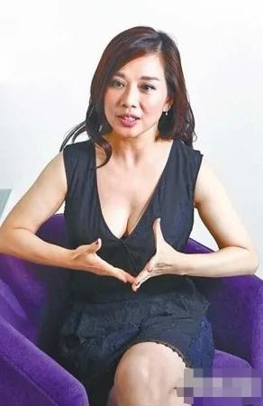 44歲陳松伶開內衣店傳授護胸秘法:老公愛撫
