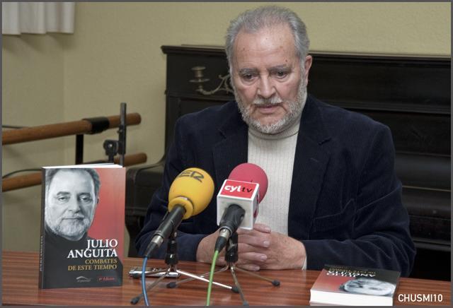 """""""El Gobierno es el títere del poder"""", Julio Anguita charla con los medios"""