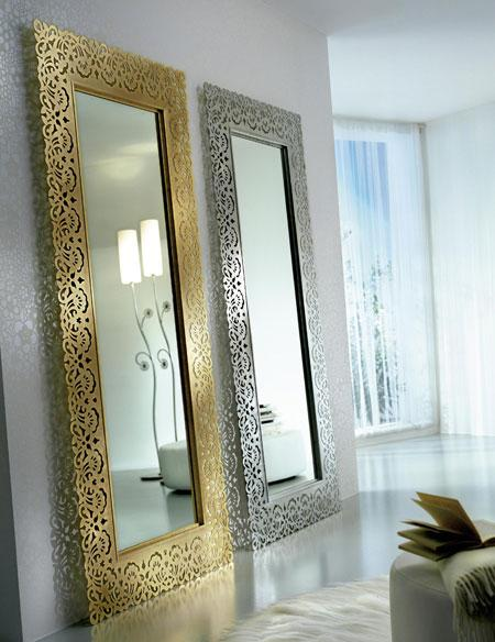 no tener dos espejos enfrentados y no ubicarlos frente a la puerta de entrada o de una cama para que no afecten a la energa propia de las personas y de la
