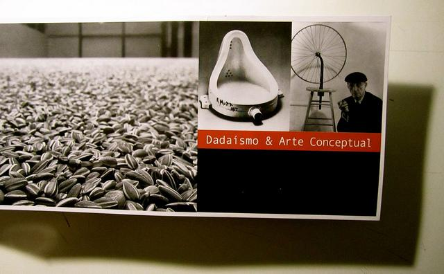 https://i2.wp.com/m1.paperblog.com/i/42/425080/dadaismo-arte-conceptual-L-YNU_Ip.jpeg