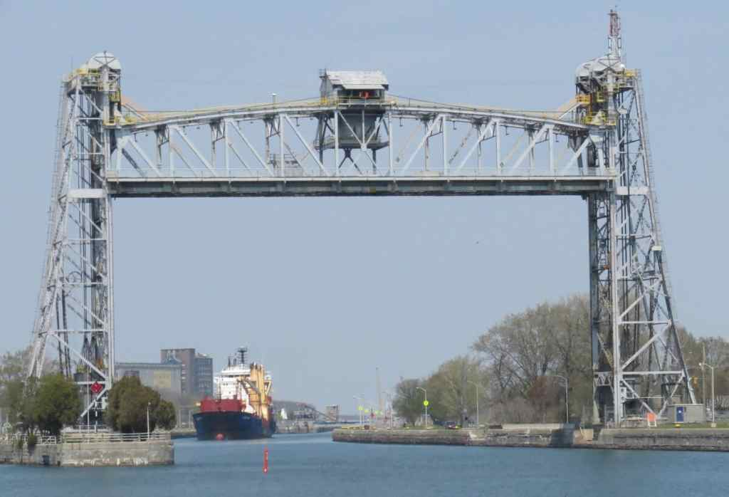 Canal Welland: collision frontale entre deux navires