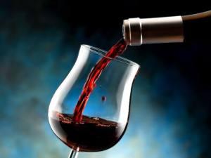 COVID-19: Éduc'alcool recommande de réduire la consommation d'alcool avant la vaccination