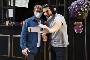 États-Unis : les personnes vaccinées peuvent se réunir sans masque