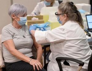 [INFOGRAPHIE] Vaccination: mieux qu'ailleurs au Canada