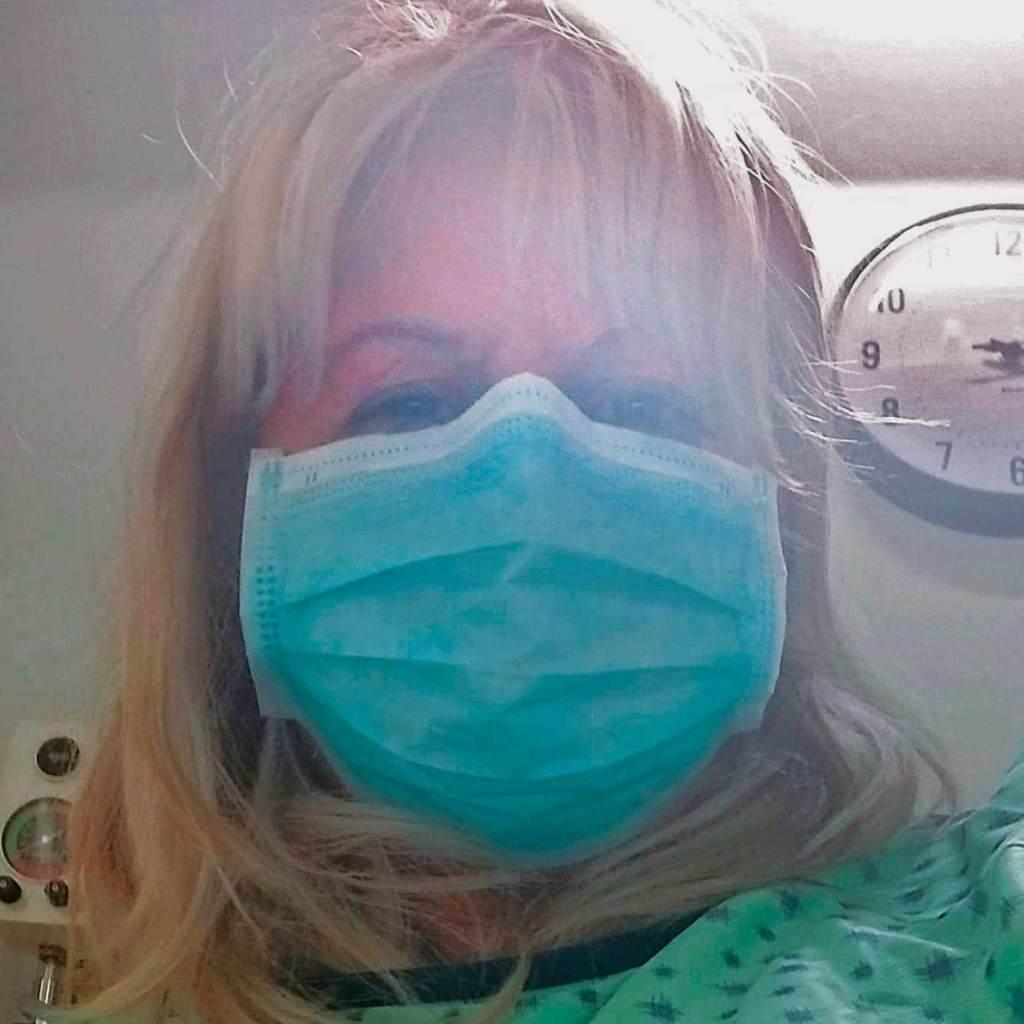 Coronavirus: les ambulanciers ne voulaient pas entrer pour la secourir