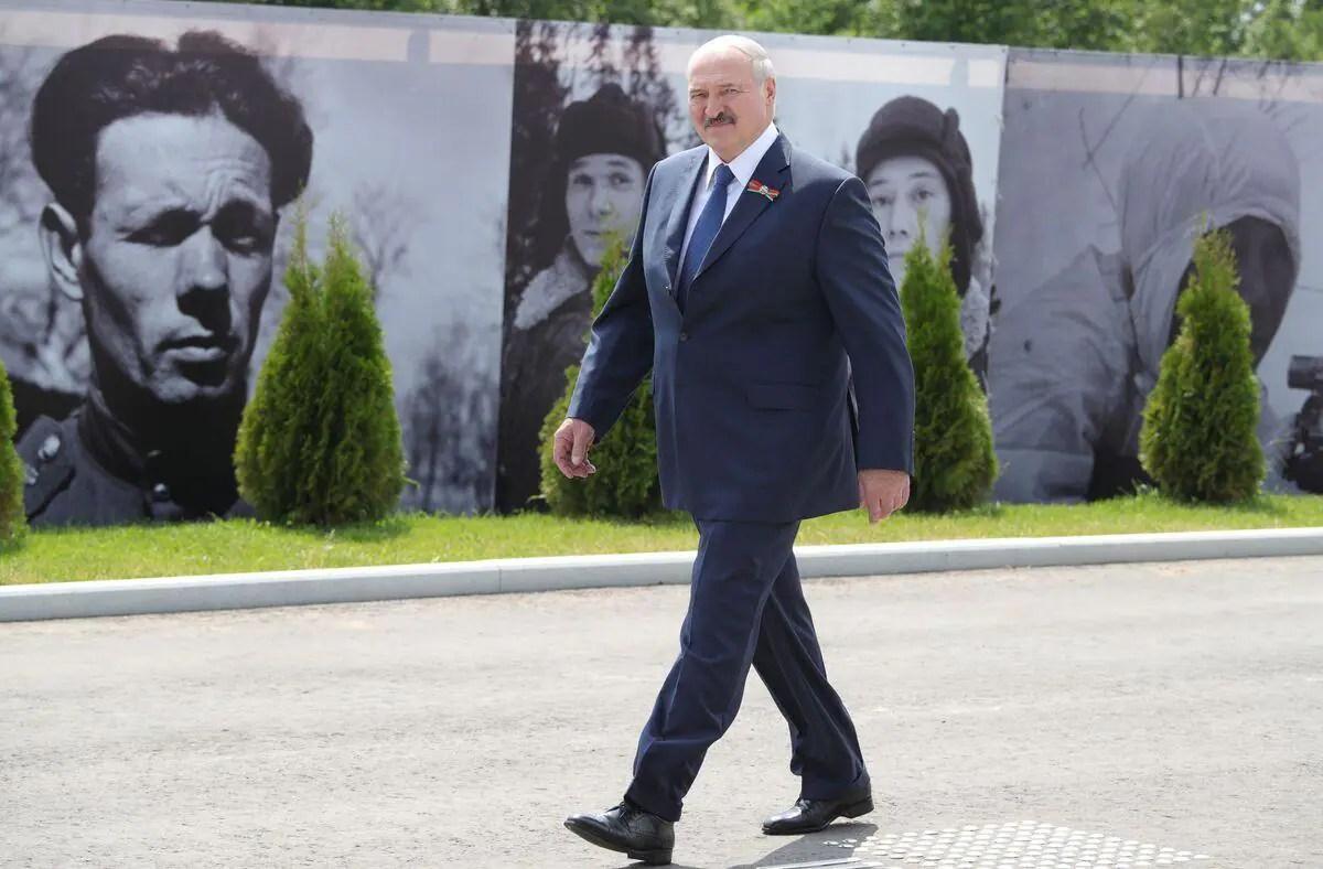 Bélarus: Loukachenko rejette une médiation étrangère pour régler la crise