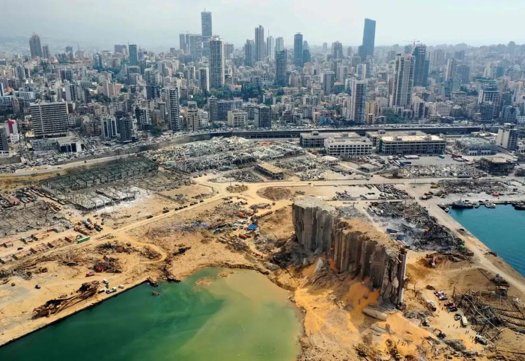 Explosion de Beyrouth: démission en série de députés