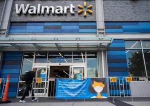 Walmart renonce au masque obligatoire dans ses magasins