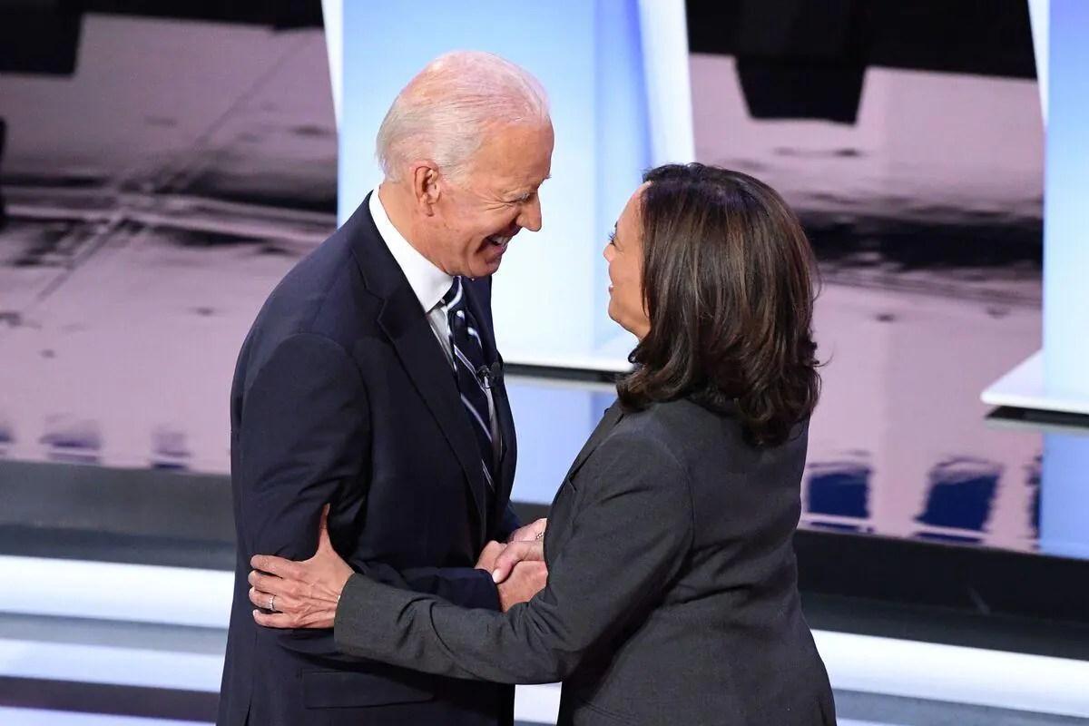 Premier discours très attendu pour le tandem Biden-Harris