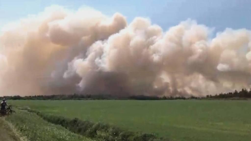 Feu de tourbière: vingt pompiers de Lévis en renfort à Rivière-Ouelle