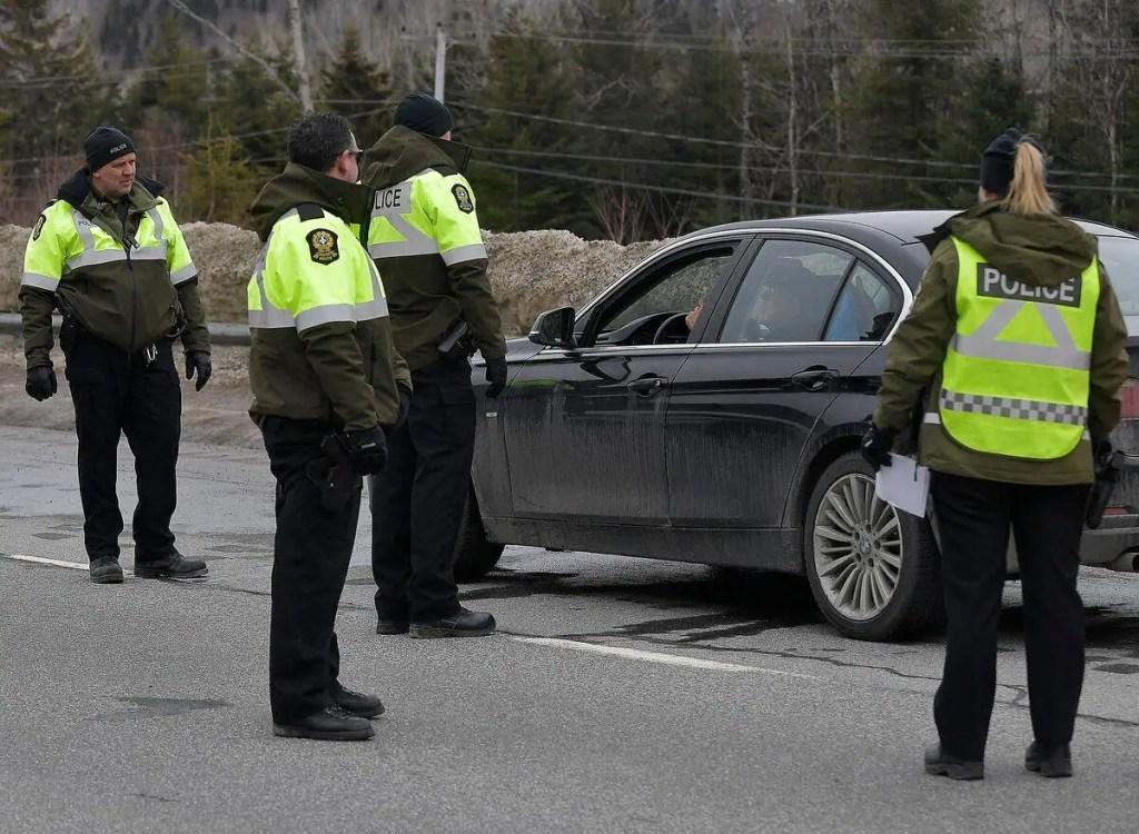 Charlevoix: des automobilistes se butent à un nouveau barrage