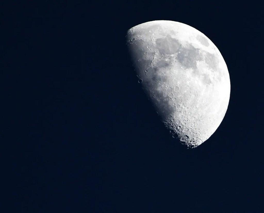 Il reconstitue l'odeur de la Lune