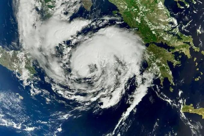Un rare ouragan méditerranéen frappe la Grèce