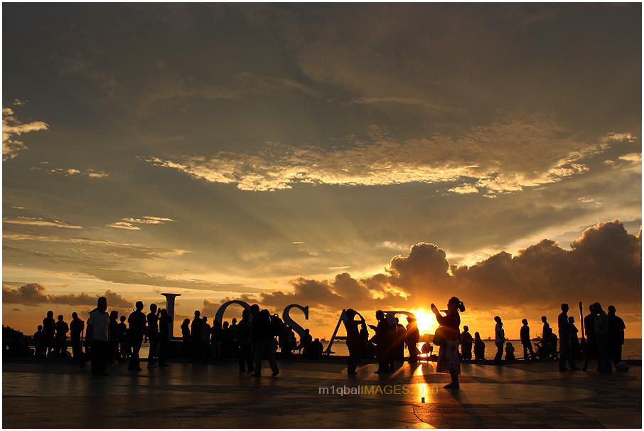 Pagi Petang di Pantai Losari Makassar (4/5)