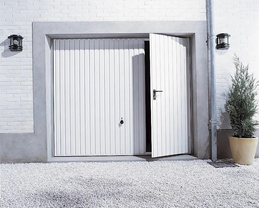 Porte De Garage Manuelle Debordante Avec Portillon A Droite H 200 X L 237 Cm Leroy Merlin
