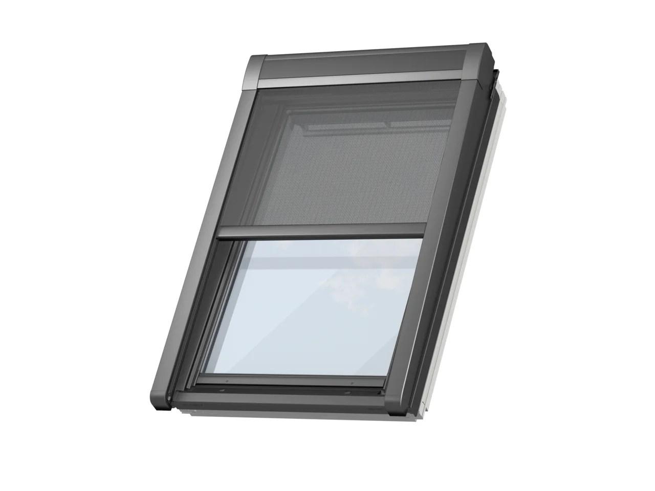 store fenetre de toit velux pare soleil electrique sk08 h 140 x l 114 cm