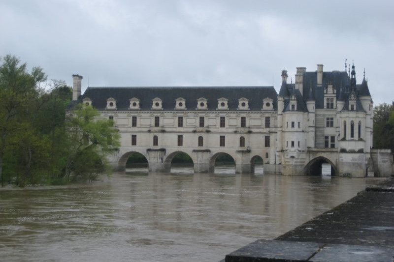 chenonceau france motorcycle tour