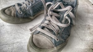 Old tennis shoes shoes