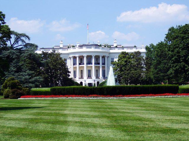 white house pexels