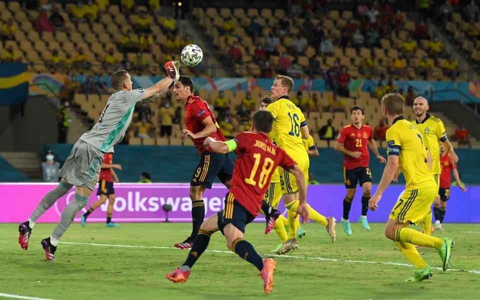 Испания разочарован в началото, Олсен спаси отбора си – Футболен свят – Евро 2020