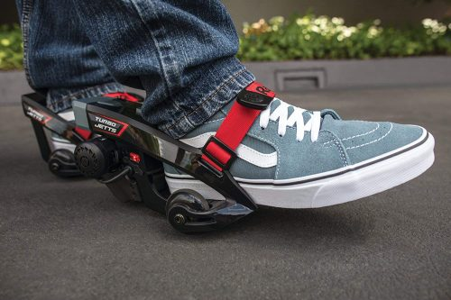 アニメシーンのように地上を高速移動走り抜ける?靴が…