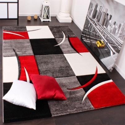 tapis-damier-rouge-et-noir
