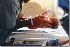 peser le bebe