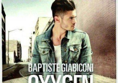 L'album de baptiste giabiconi est au top des ventes devant Garou et Mika