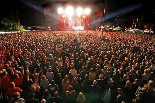Concert lors d'un festival en plein air