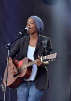 Irma se réjouit de retrouver son Public sur scène lors de ses nombreux concerts organisés un peu partout en France