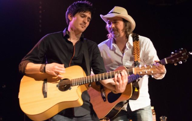 le duo franco-américain des CTBAB a assuré la premiére partie du concert du duo Fergessen