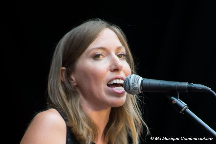 portrait d'une chanteuse qui s'assume, Liz Cherhal