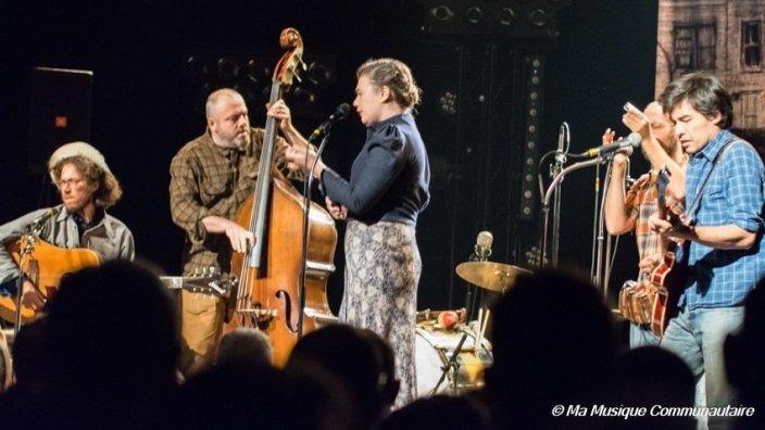 le groupe Moriarty en scène à la Halle Verrière de Meisenthal