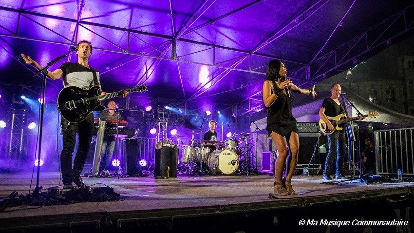Anggun et ses musiciens en scène