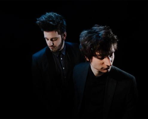 Le duo d'artistes Edgär lors de la sortie de l'EP Persona