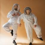 portrait du duo Part-Time Friends en cosmonaute blanc
