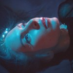 portrait serré de l'artiste Nina Rossell