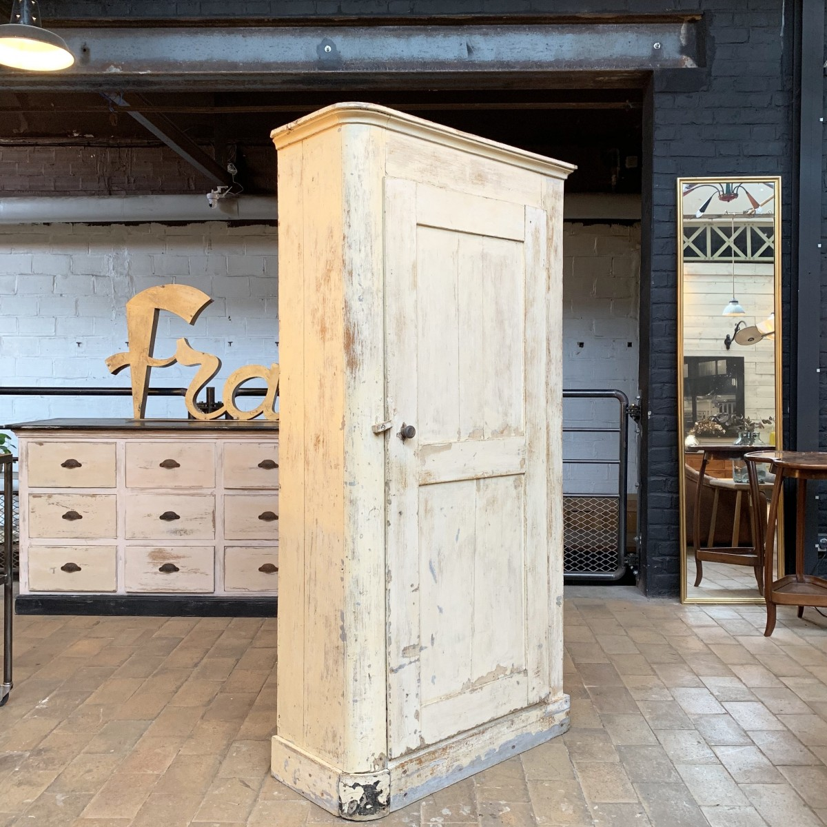ancienne armoire 1 porte