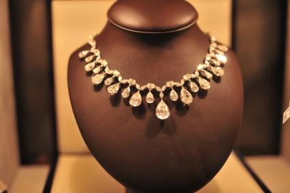 14 million dollar necklace2 Comments