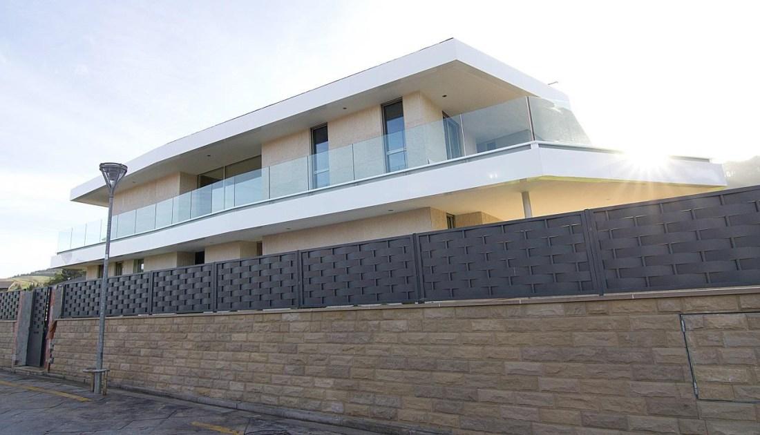 Casa B - Acceso 01