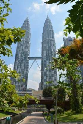 R_petronas-towers-1445879_1920.jpg