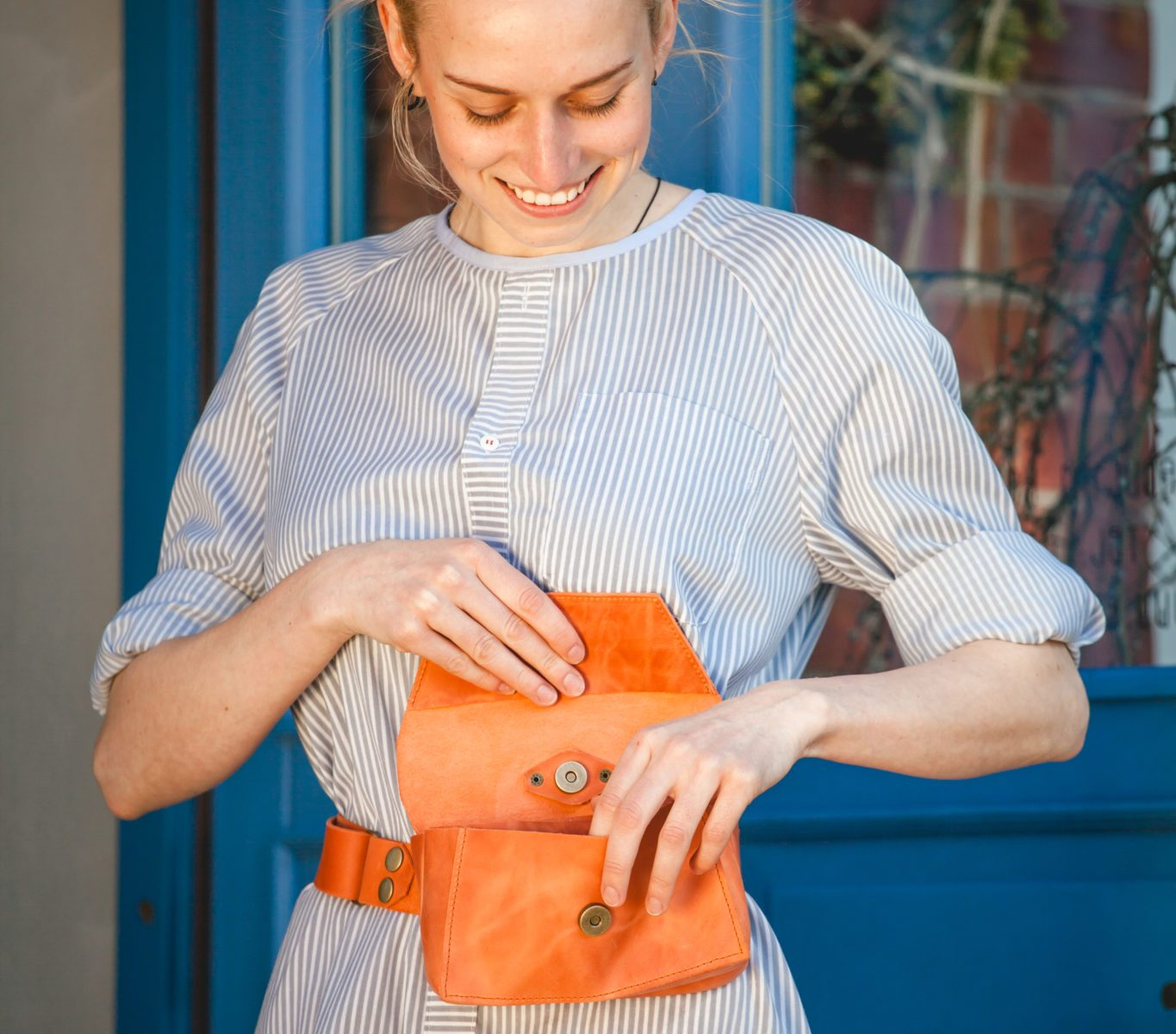 Belt bags for waitresses by designer Maarja Sööt. Photo by Jaanus Jagomägi.