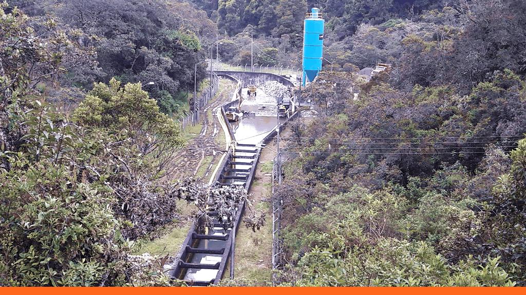 Canal Simaya y planta Domat de concretos