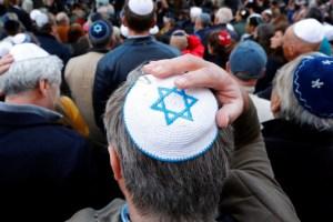 """מאת חנן גרינווד49% מהישראלים: חוששים מאנטישמיות בטיול בחו""""ל"""