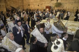שמחת תורה בירושלים – הקפות במוקדים ברחבי העיר מאת שלומי הלר