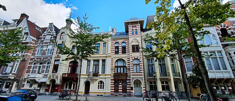 Les Zevenlandenhuizen ou les maisons des sept pays à Amsterdam
