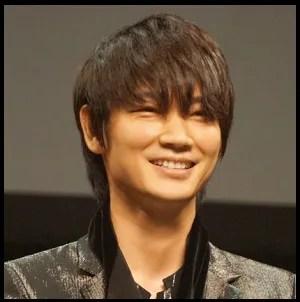 綾野剛 ギター バンド名 バンド時代 上手い 作曲 昔 過去 若い頃 俳優 モデル かっこいい ザシックス バンド 俳優 ザ・シックス THE XXXXXX