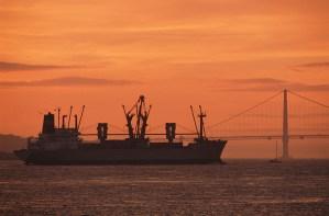 Macargo-buque-containers-transporte-marítimo